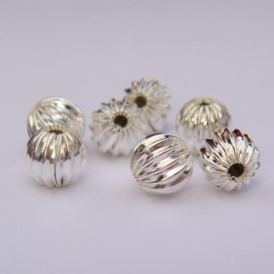 Margele striate placate cu argint 6mm 1 buc