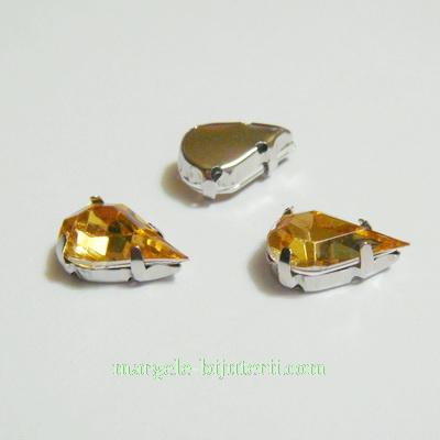 Margele montee rhinestone, plastic, aurii, lacrima 13x8x5mm 1 buc