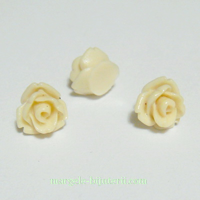 Cabochon rasina, flori crem, 7.5x6mm 1 buc