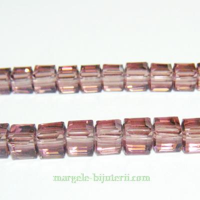Margele sticla mov, cubice cu muchii tesite, 6x6mm 1 buc