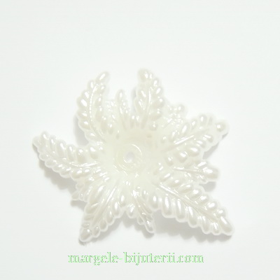 Floare plastic, perlata, alba, 36x30x6mm 1 buc