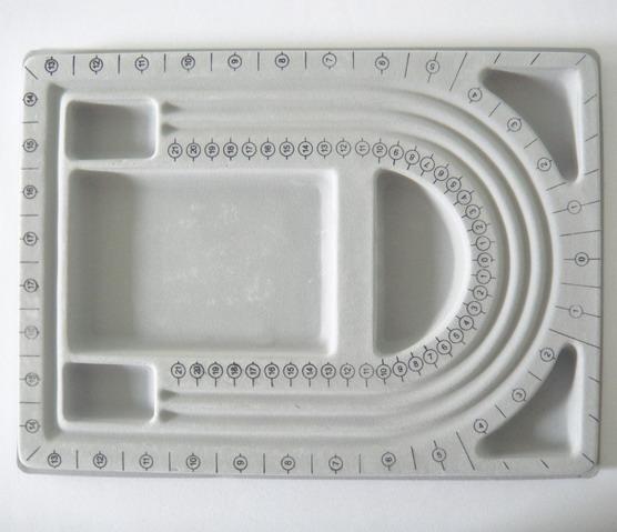 Dispozitiv pt.margele 32x24 cm, pt. 3 siraguri 1 buc