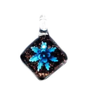 Pandantiv Murano alb cu floare bleu si glitter auriu, lacrima 58x30mm 1 buc