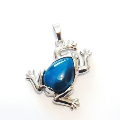 Pandantiv argintiu inchis, broscuta 30x29x7mm, cabochon jad albastru, lacrima 18x13mm 1 buc