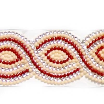 Banda cu rhinestone si cabochoare sticla crem si rosii de 1.5mm, 39x2~3.5cm 1 buc