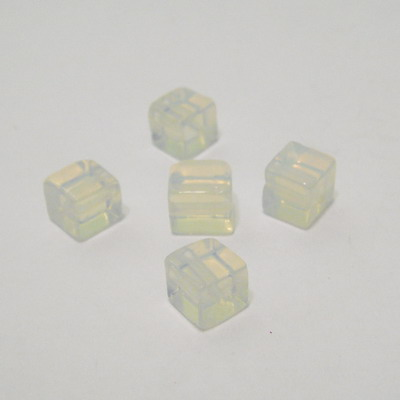 Opal cubic 6,4mm 1 buc