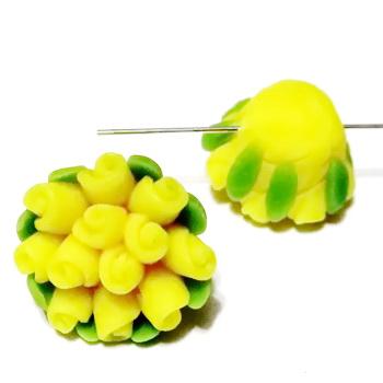 Margele polymer, floricele galbene, 13~17x9~12mm 1 buc