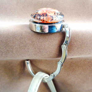 Agatatoare metalica pt. genti, haine, 44x8mm, cabochon Murano portocaliu de 30x10mm 1 buc
