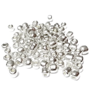 Margele nisip, argintii, metalizate, 4mm 20 g