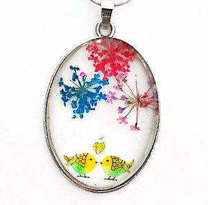 Pandantiv  metalic, 52x32x9mm, cabochon sticla 40x30mm, flori multicolore, model 5 1 buc