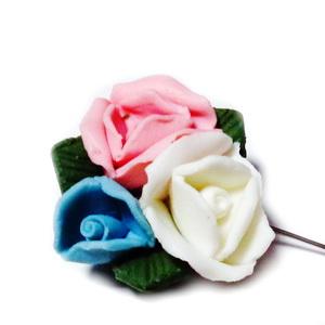Margele/cabochon portelan, 3 flori alba, roz si bleu, 27~28x27~28x16~17mm 1 buc