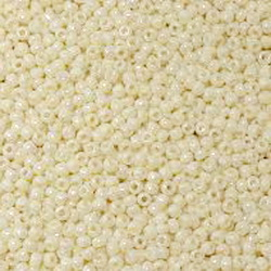 Margele TOHO - rotunde 11/0 : Opaque-Rainbow Lt Beige 20 g