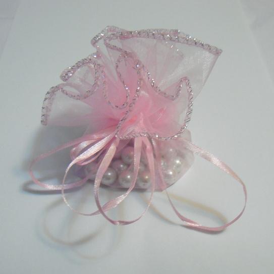 Saculet organza roz cu picatele. diametrul de 24 cm 1 buc