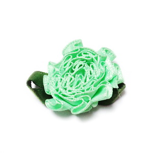 Floare saten verde deschis, lucrata manual, 33x27x12mm 1 buc