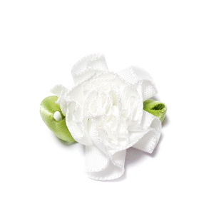 Floare saten alba, lucrata manual, 33x27x12mm 1 buc