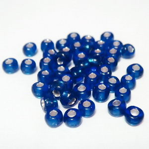 Margele nisip, albastre, cu interior argintiu, 4mm 20 g