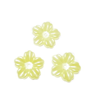 Floare cu 5 petale, plastic ABS, imitatie perle plastic, galbena, 12x13x1.5mm 1 buc