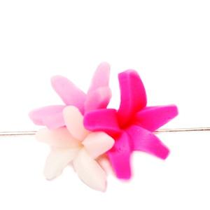 Margele polymer, 3 flori, roz-alb 18~20x18~19x11~14mm 1 buc