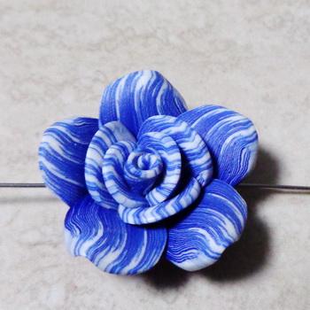Margele polymer, floare galbena cu rosu, alb si negru, 40x15mm 1 buc