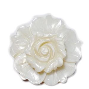 Brosa/pandantiv sidef crem, floare 35mm 1 buc