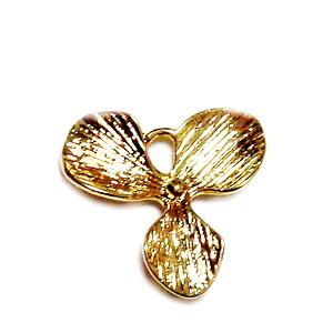 Pandantiv metalic placat cu aur, floare 16.5x18x3.5mm 1 buc