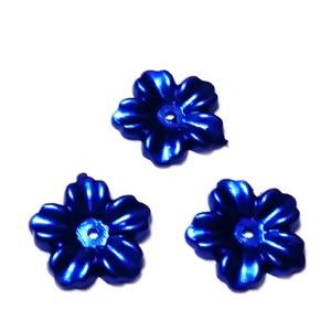 Floare cu 5 petale, plastic ABS, imitatie perle plastic, albastra, 12x13x1.5mm 1 buc