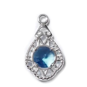 Pandantiv argintiu cu stras bleu de 6mm, 20x11x3.5mm 1 buc