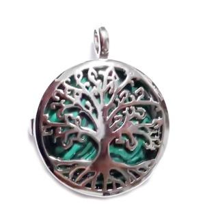 Pandantiv argintiu inchis cu copacul vietii si cu cabochon malachit de sinteza, 32x25x8mm 1 buc