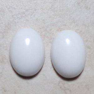 Cabochon agata alba, 18x13x6mm 1 buc