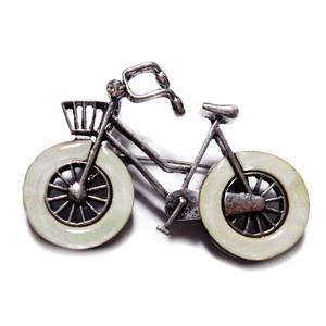 Pandantiv/brosa tibetan cu sidef, bicicleta 52x37mm 1 buc