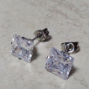 Cercei din oțel inoxidabil 304, argintii cu zirconiu cubic transparent de 8x8mm  1 pereche