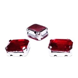 Margele montee rhinestone, sticla, dreptunghiulare, rosii, 10x8x5mm 1 buc