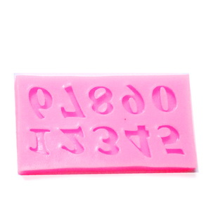 Forma modelaj din silicon roz 59x32x4mm, forme numere 10x8mm 1 buc