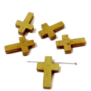 Cruciulita lemn maro deschis, 22x14x4mm 1 buc