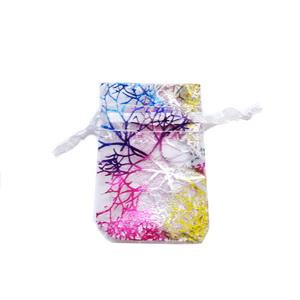 Saculet organza alb cu desen coral multicolor, 7x5cm, interior 5x5cm 1 buc