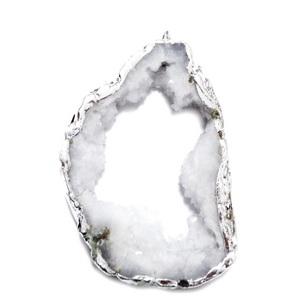 Pandantiv druzy agate, alb-gri cu argintiu pe margine, 63x43x8mm 1 buc