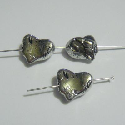 Margele sintetice argintii forma neregulata 16x14x10mm 1 buc