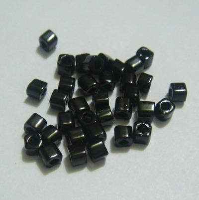 Margele TOHO cubice, opace, negre, 3mm 20 g