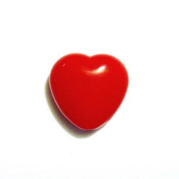 Margele plastic rosu, inimioare 13x13mm 1 buc