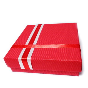 Cutie cadou rosie cu alb, 8.5x8.5x2.5cm 1 buc