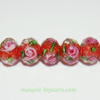 Margele sticla, lampwork, rosii cu floricele roz, multifete, 10x8mm 1 buc