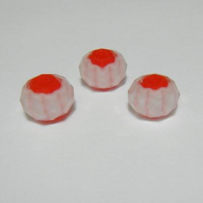 Margele sticla, lampwork, multifete albe cu interior rosu, 8x5 mm 1 buc