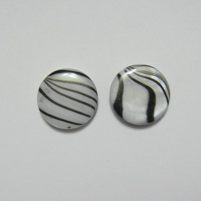 Perle plate sidef alb cu negru, 14x3mm, orificiu 1mm 1 buc