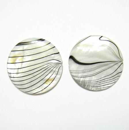 Perle plate sidef alb cu negru, 30x4mm, orificiu 1mm 1 buc