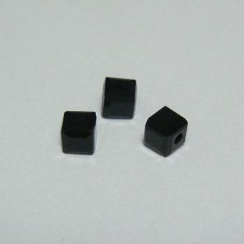 Margele sticla neagra, cubice cu muchii tesite, 4x4mm 1 buc