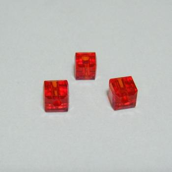 Margele sticla rosii, cubice cu muchii tesite, 4x4mm 1 buc