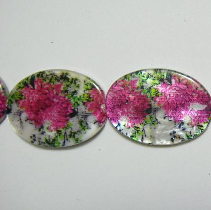 Perle plate sidef alb cu floricele mov, 25x18x3mm, orificiu 1mm 1 buc