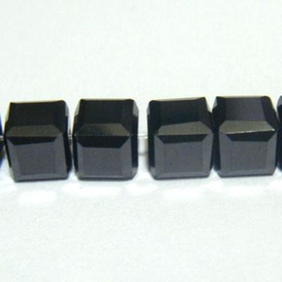 Margele sticla negre-hematit, cubice cu muchii tesite, 6x6mm 1 buc