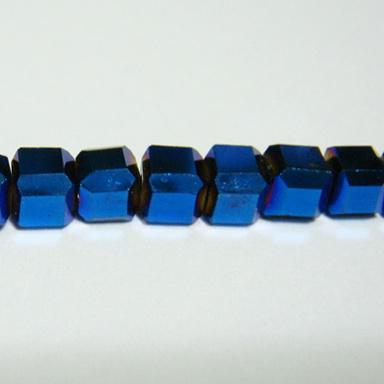 Margele sticla albastre-metalizate, cubice cu muchii tesite, 4mm 1 buc