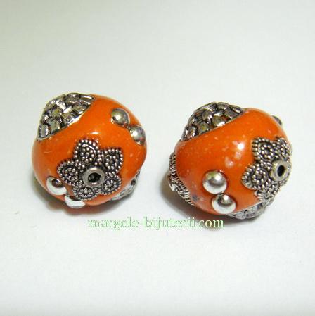 Margele indoneziene, portocalii, lucrate manual, 15x14mm 1 buc